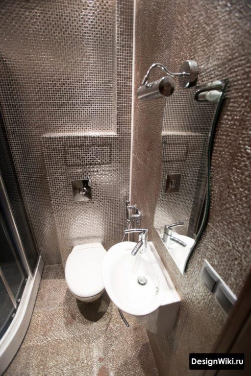 Стеклянная плитка мозаика в ванной
