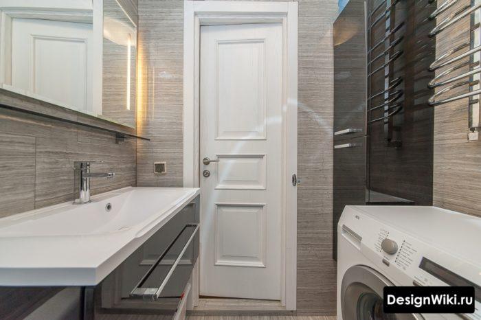 Узкая дверь 70 в ванной в хруще