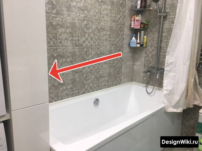 Узкий белый шкафчик в ванной в хрущевке