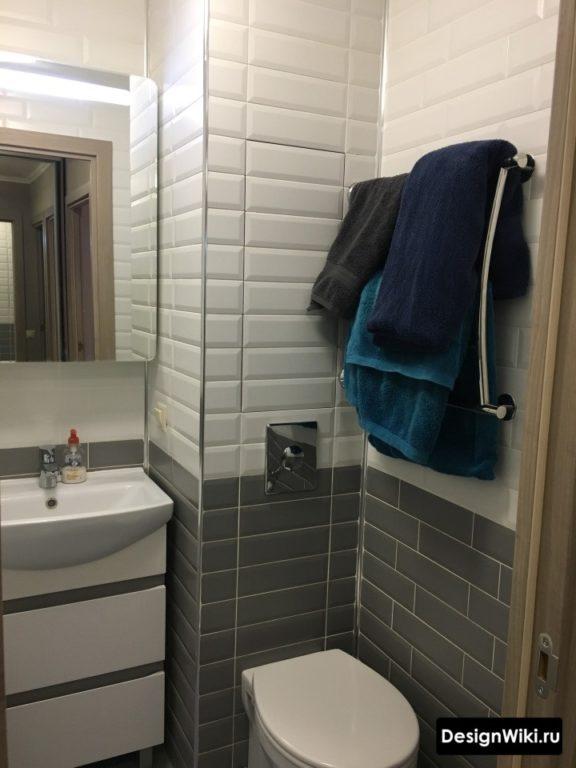 Чёрно-белая ванная в хрущевке