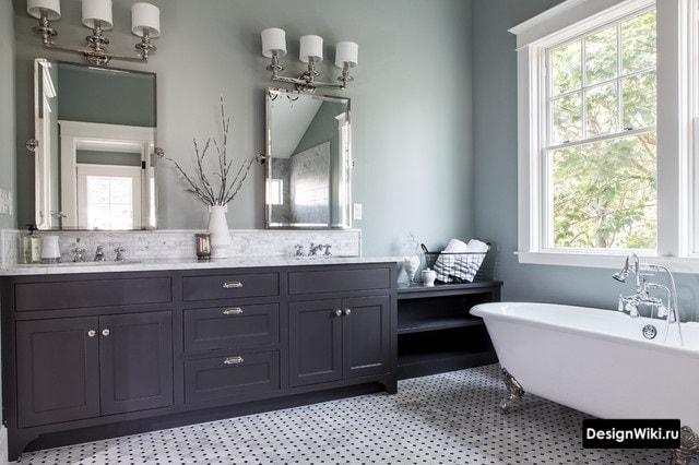 Большая ванная комната в классическом стиле