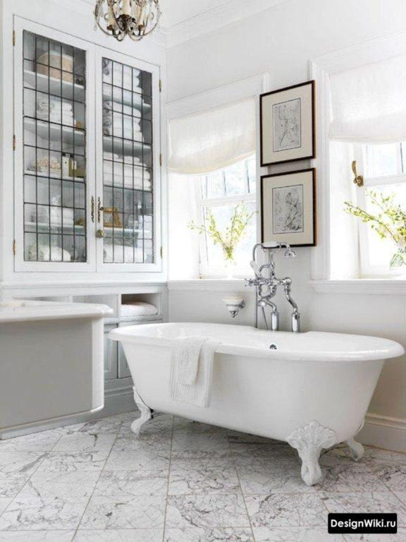Ванная в стиле прованс с окном