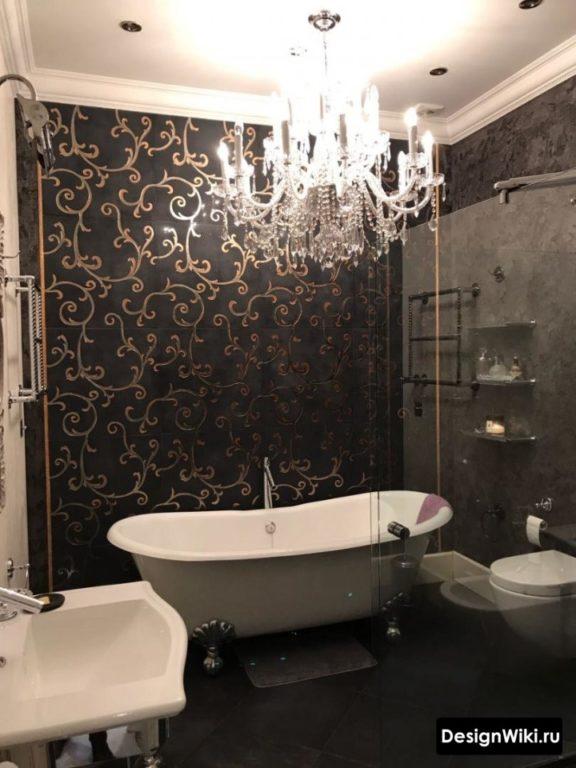 Интерьер ванной комнаты в готическом стиле