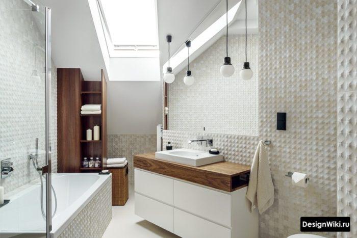 Классическая ванная комната в мансарде