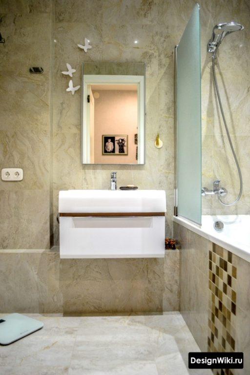 Нейтральная отделка ванной комнаты