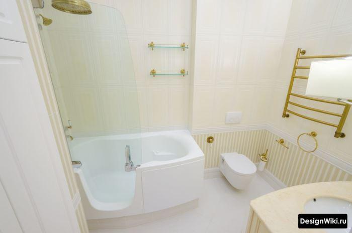 Облицовка ванной комнаты кафелем с разделением по горизонтали