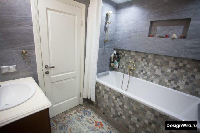 Облицовка плиткой зоны вокруг ванны