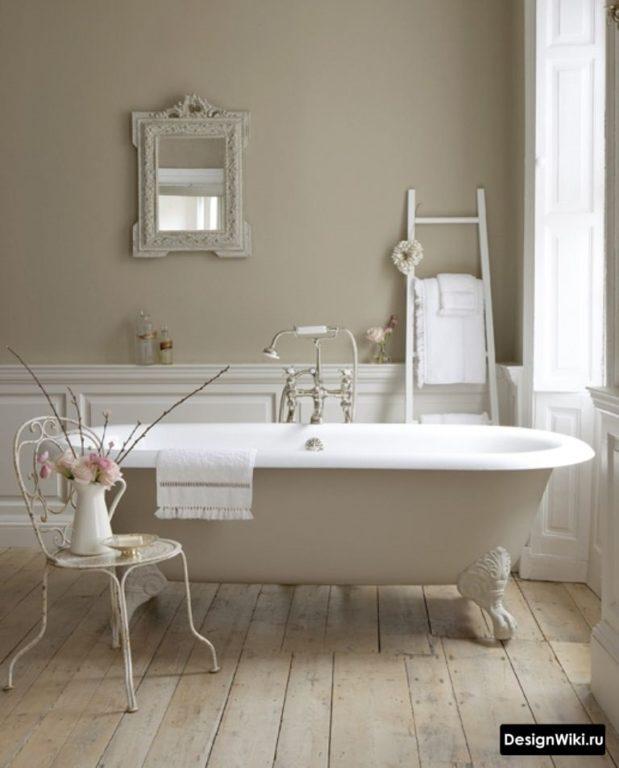 Овальная ванна на ножках в классическом стиле