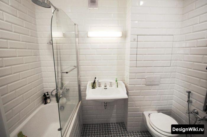 Отделка ванной комнаты белым кабанчиком