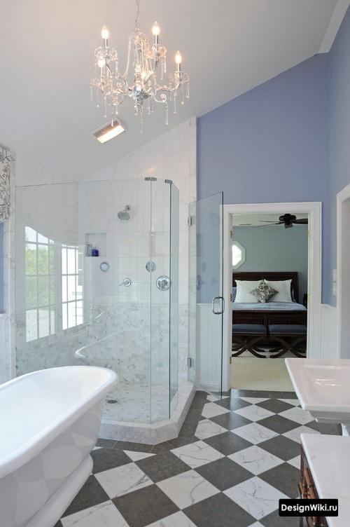 Шахматная плитка и голубой цвет в ванной комнате