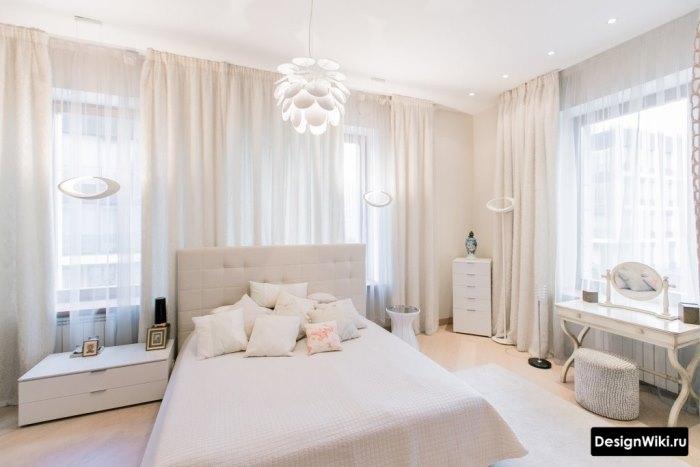 Интерьер спальни для подростка девочки в бежевых тонах