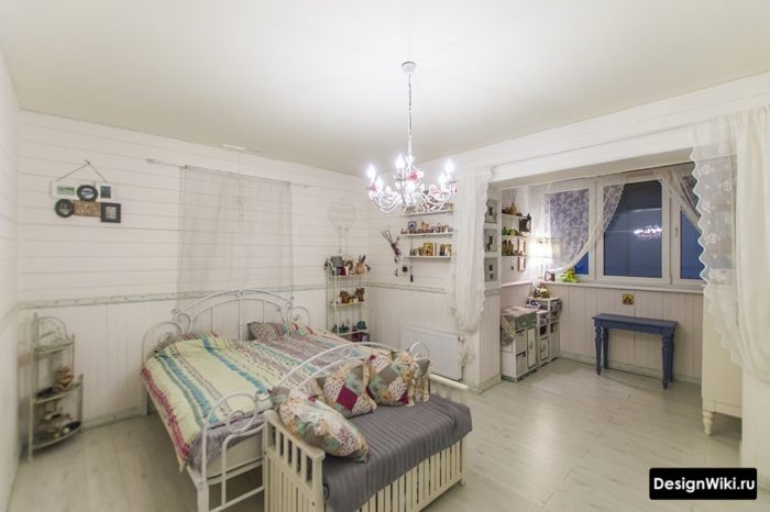 Комната для подростка девочки с балконом