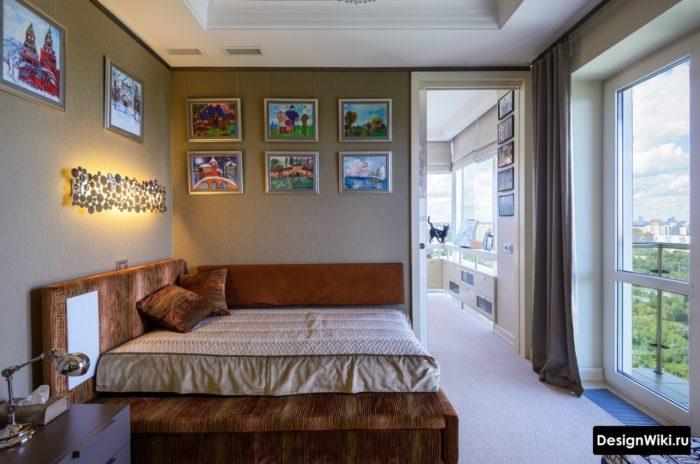Кровать-диван в комнате молодого человека