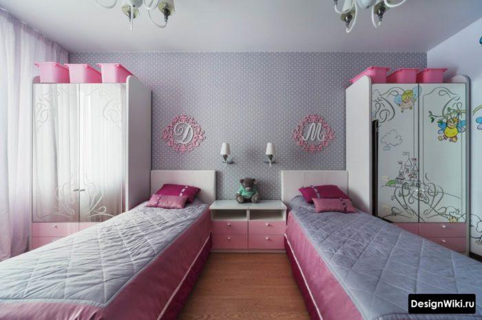 Крутая серо-розовая комната для девочки-подростка