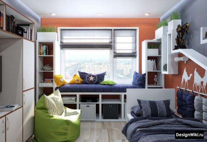 Подоконник-кровать в комнате подростка-мальчика