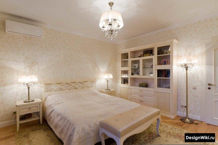 Спальня девочки подростка в классическом стиле