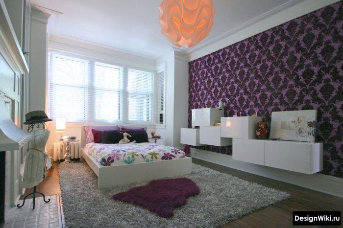 Черно-фиолетовые обои в спальне для девочки-подростка