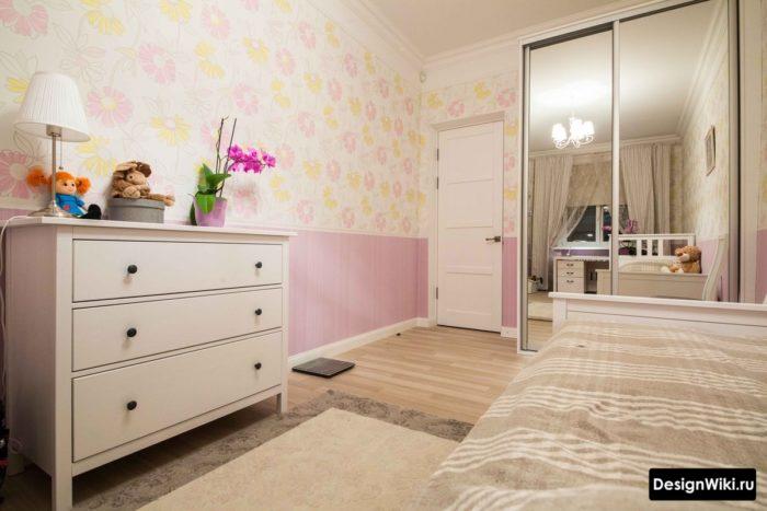 Сочетание розового и желтого в детской девочки