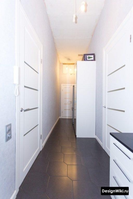 Модульная отдельная мебель в коридоре