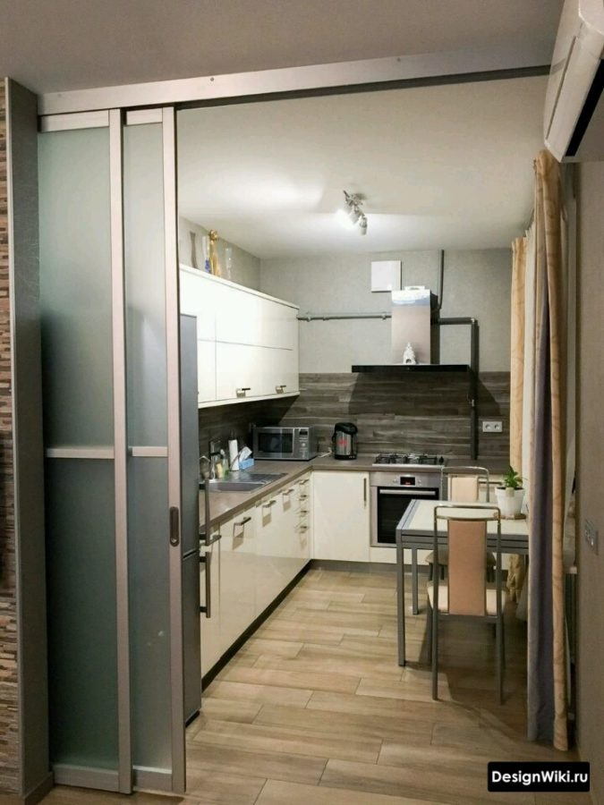 Кухня-гостиная в квартире с газовой плитой - перегородка