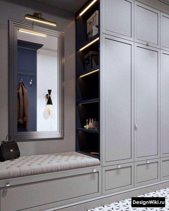 Необычный дизайн прихожей с серым шкафом и скрытой подсветкой #дизайн #прихожая