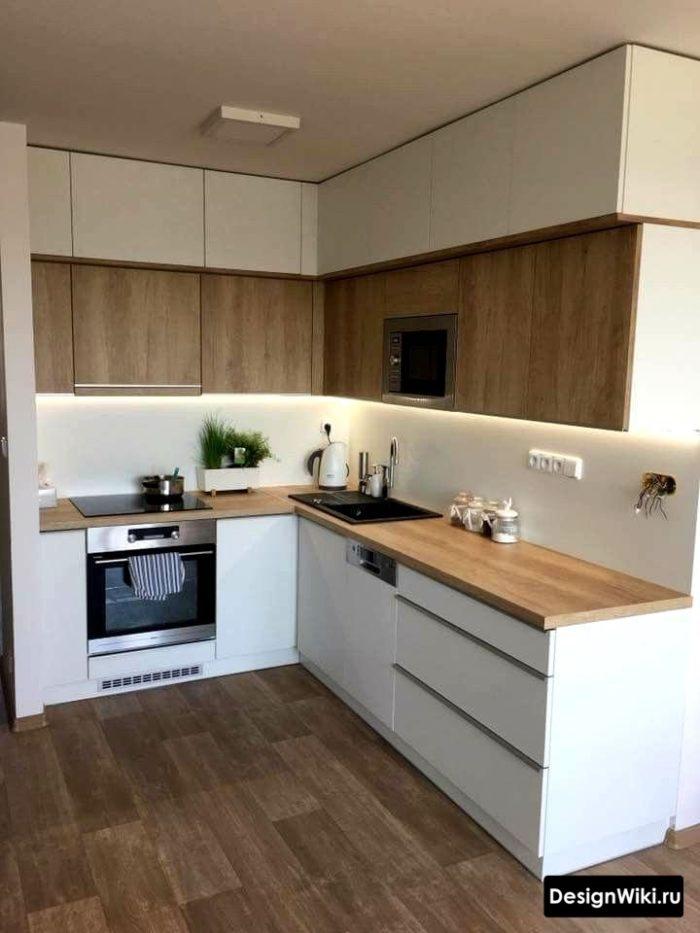 Белый-дерево-белый на кухне