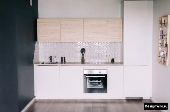 Матовый белый и светлое дерево в современной кухне