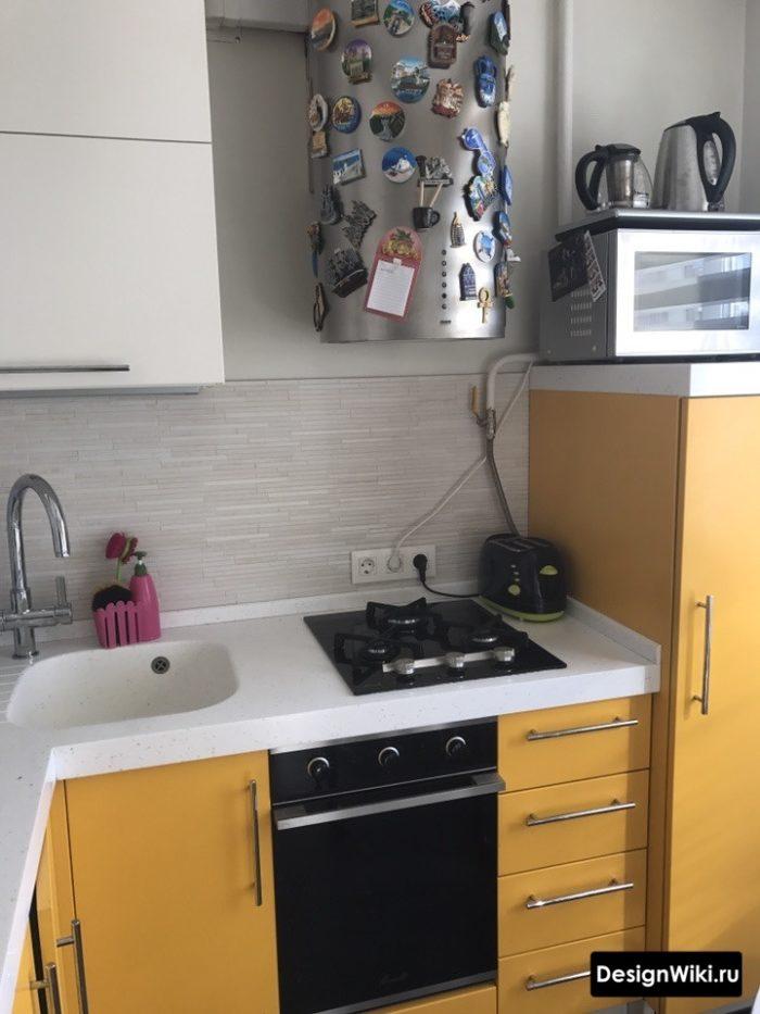Оранжевый угловой кухонный гарнитур из ДСП