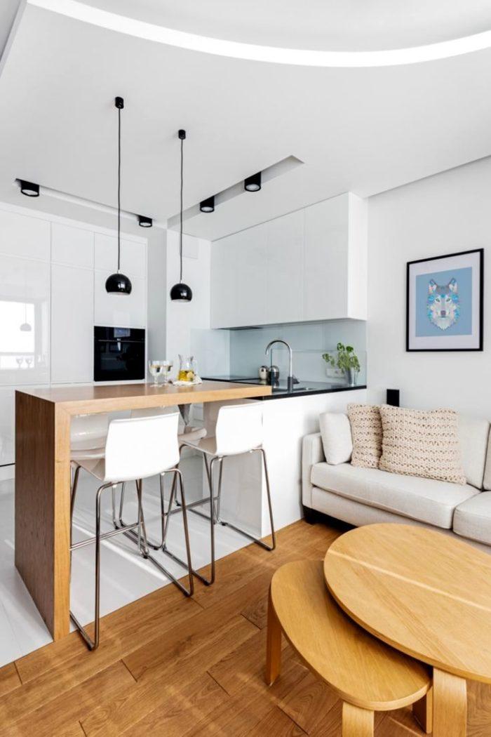 Простой минималистичный ремонт в кухне-гостиной
