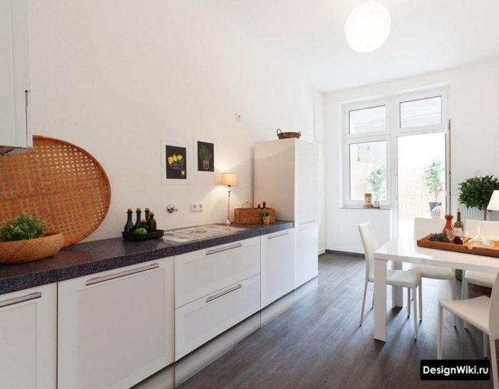 Белый кухонный гарнитур без верхнего ряда