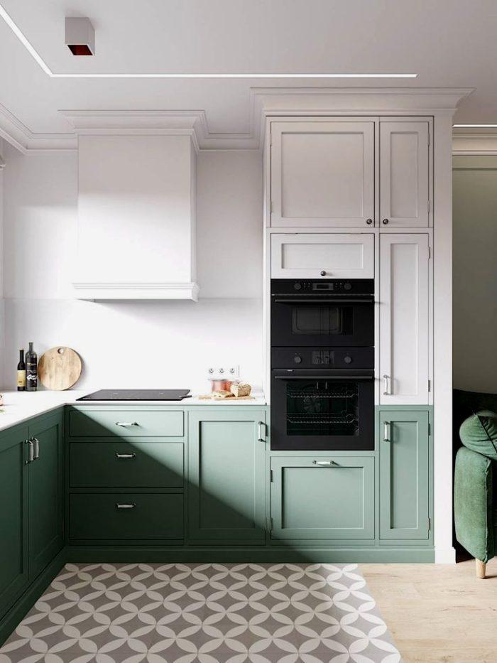 Бирюзовая кухня с серой плиткой с узором на полу