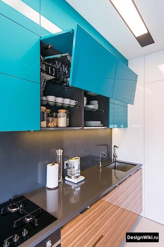 Глянцевый голубой верх кухни