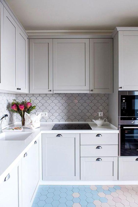 Дизайн светло-серой кухни