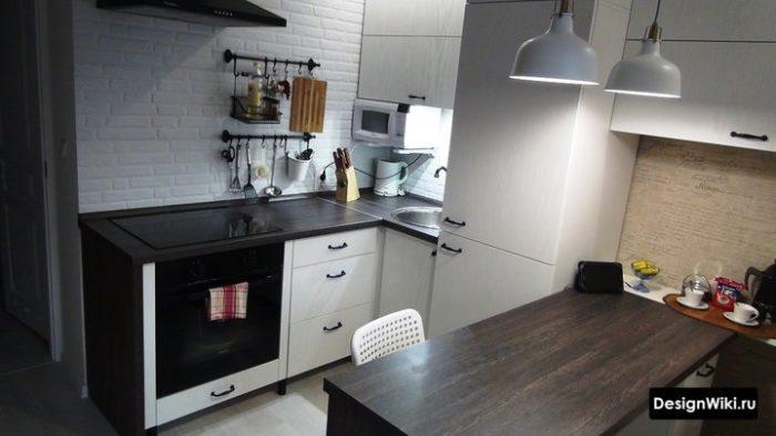 Кухня с 1 стеной без верхних ящиков