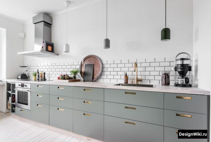 Линейная кухня без навесных ящиков