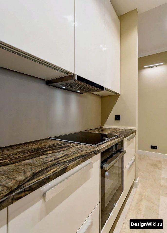 Простой интерьер кухни в стиле минимализм