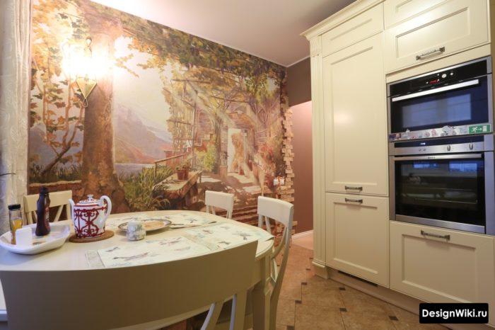 Роспись стены кухни фреской
