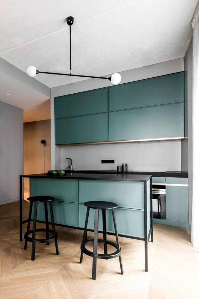 Современный дизайн кухни в грязно-голубом цвете