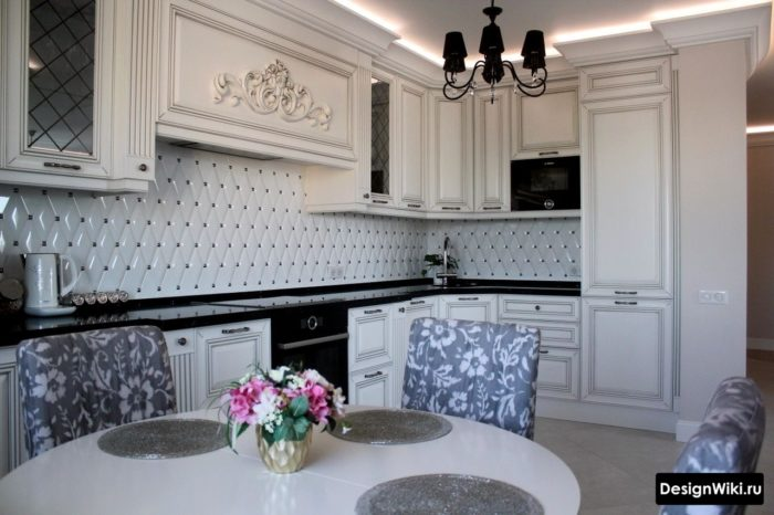 Стильный дизайн классической кухни