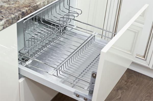 Сушка для посуды в нижнем ящике для кухонь без верхних шкафов