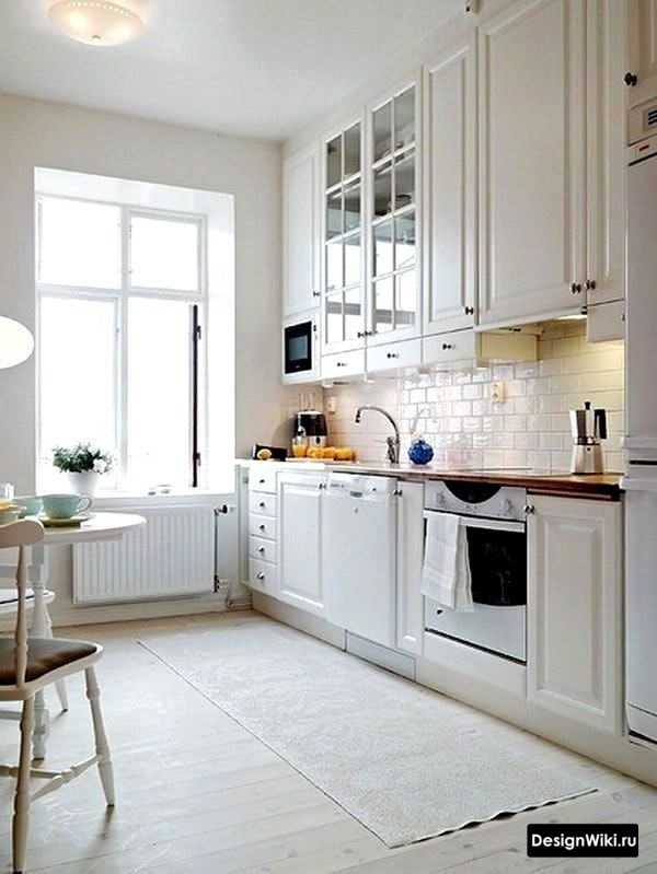 кухня в скандинавском стиле белая с деревянной столешницей фото