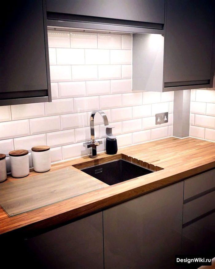 кухня в скандинавском стиле в загородном доме