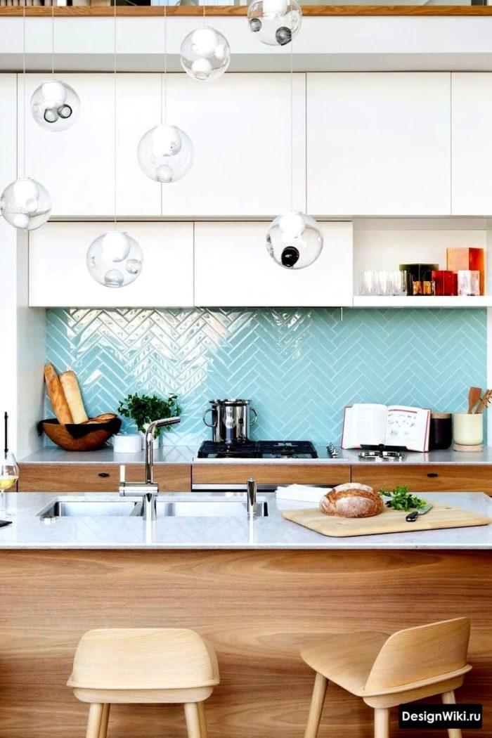 кухня в скандинавском стиле декор голубым цветом фартука
