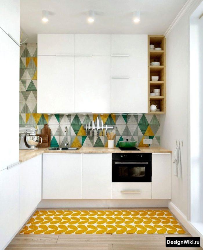 кухня в скандинавском стиле с яркими желтыми акцентами