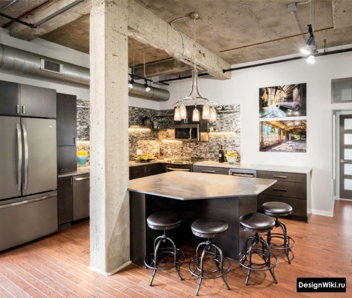 Бетонный потолок и колонна на кухне в стиле лофт