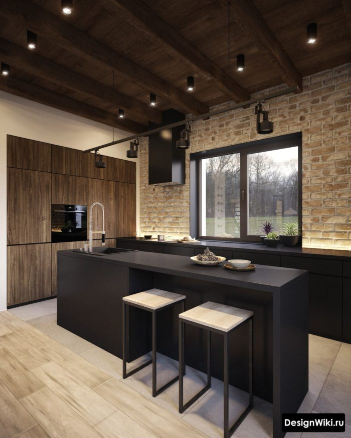 Дизайн кухни с кирпичной кладкой и деревянным потолком