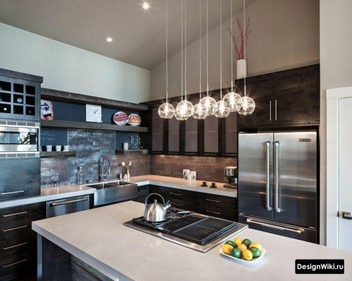 Плитка под металл на фартуке кухни в стиле лофт