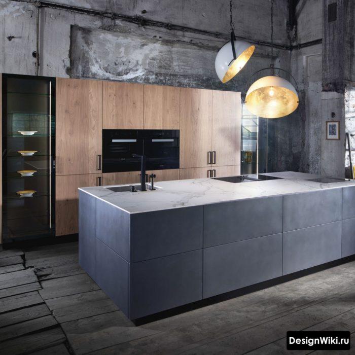 Сочетание серого бетона и дерева на кухне в стиле лофт