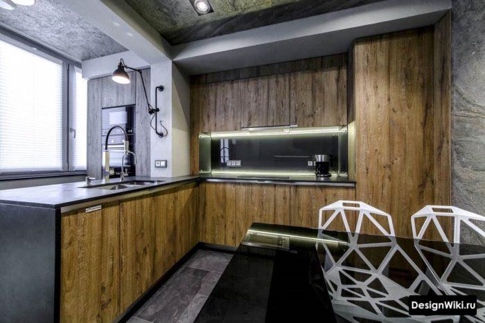 Темное дерево в дизайне кухни в стиле лофт
