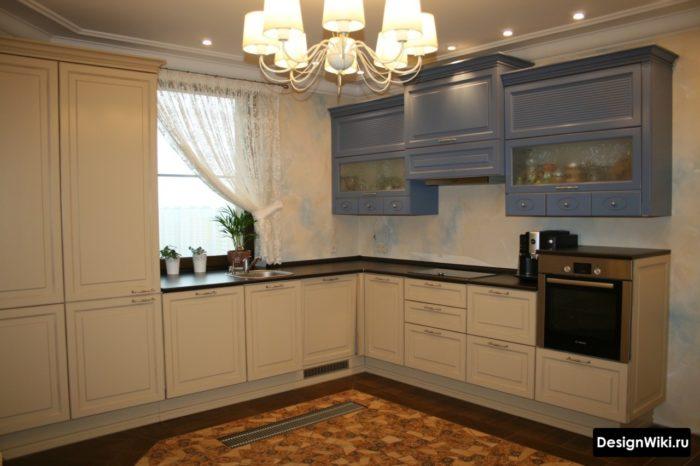 Большая угловая кухня в стиле прованс